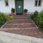 Hauseingang Klinkerplatten u. Einfassung m. Granitleistensteinen