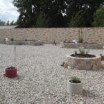 Roman Stock Wall  in versch. Farben kombiniert m. Motivplattenmauer